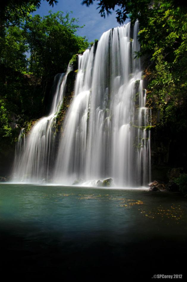 Cataratas Llanos de Cortes Waterfalls, Costa Rica